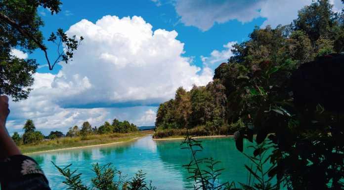 "Pesona Danau Framu Ayamaru, di ""Ibukota"" Tanah Papua"