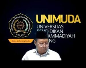 Rektor UNIMUDA Sorong sedang memberikan paparan materi terkait dengan praktik moderasi berada di lingkup kampus (Sumber: SorongTerkini.id)