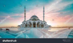 Tetap Perlu Kehati-hatian, Masjid Bisa Menjadi Tempat Penyebaran Virus (www.shutterstock.com)